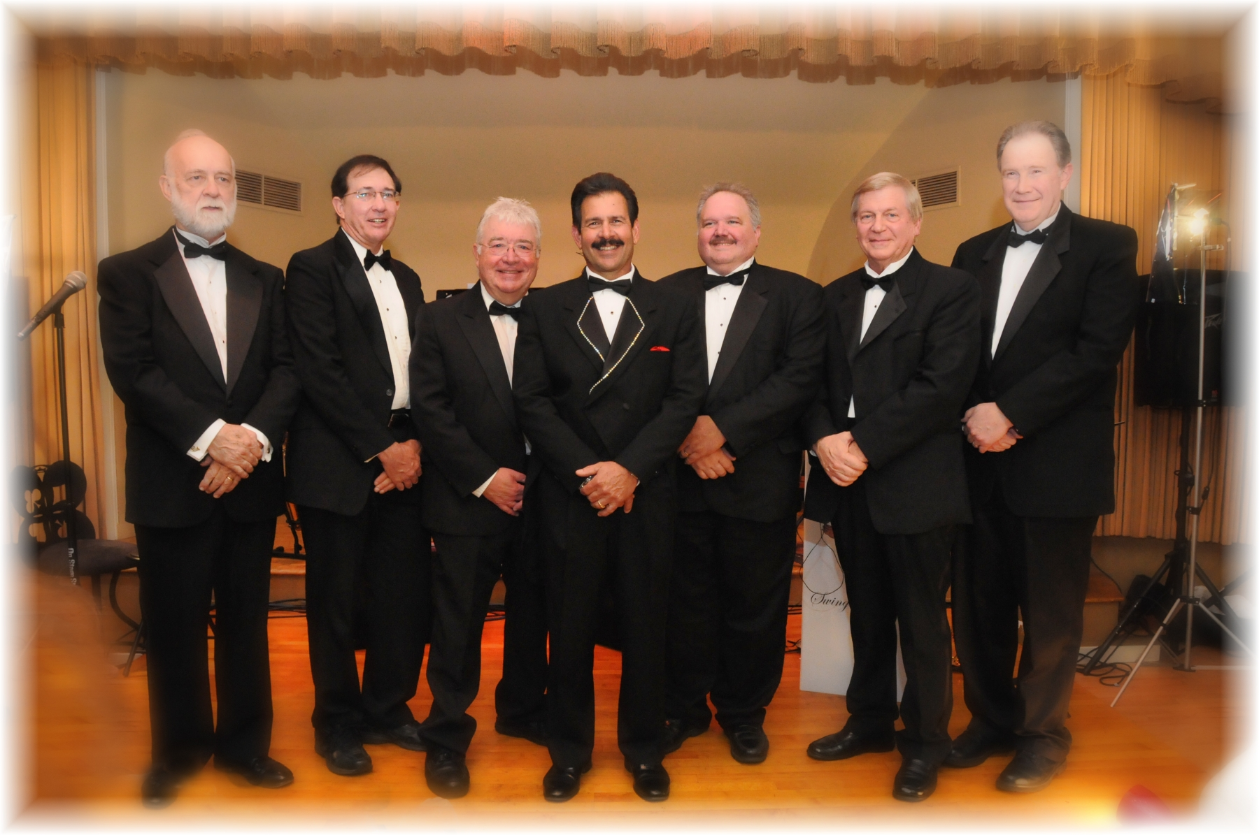 0632-Tony and Band Photo